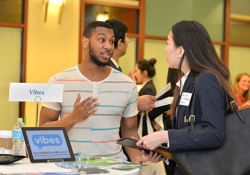 The DePaul Analytics Career Night Analytics Career Night brings together recruiters, alumni and graduating students interested in data-driven careers.