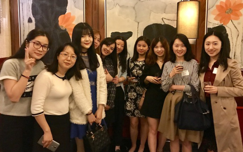 Students attend alumni networking event in China.