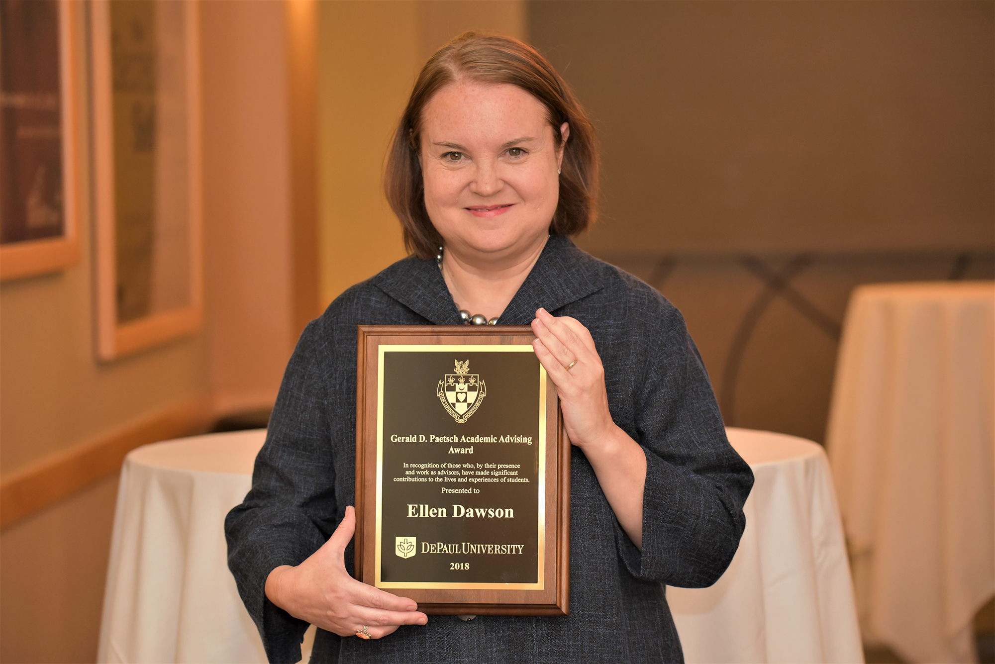 Kellstadt Advisor Ellen Dawson honored with Gerald D. Paetsch Academic Advising Award